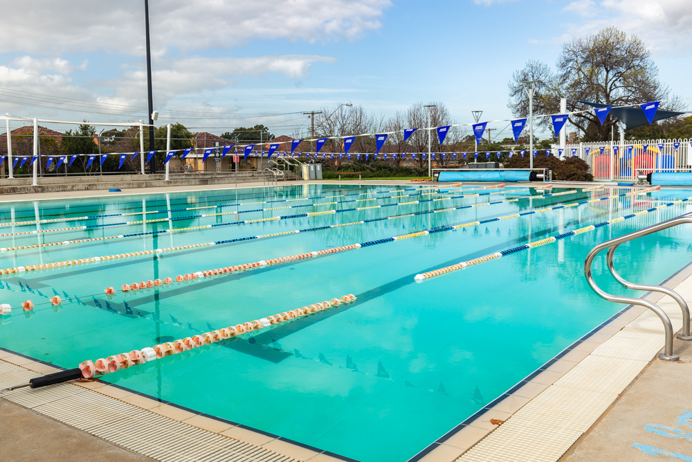 image-for-outdoor-pool-winter-operating-hours